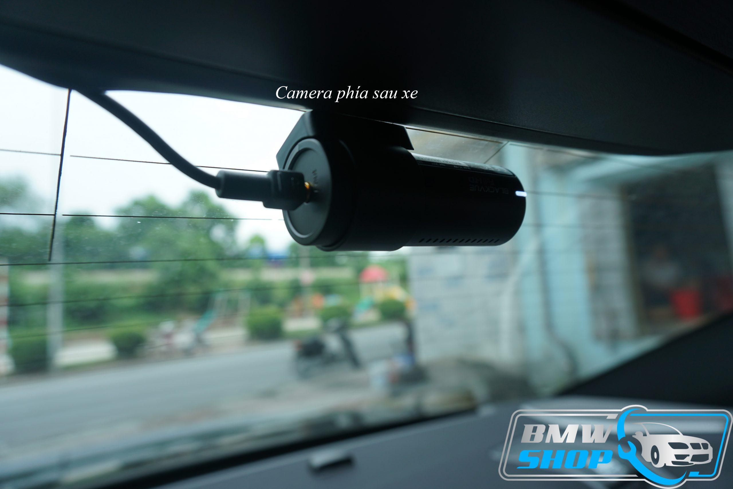 Hình ảnh camera sau lắp đặt trên xe BMW 330i